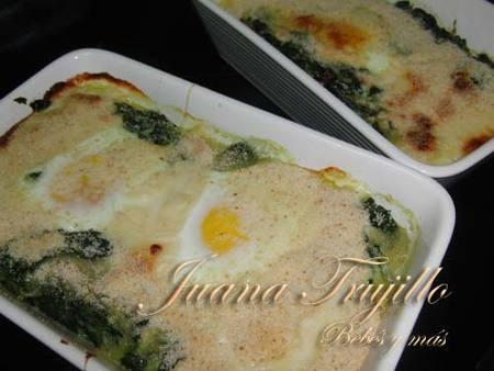 Espinacas y huevos al horno. Receta para embarazadas