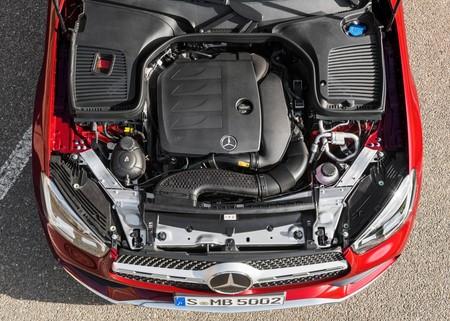 Daimler aclara que no dejará de producir autos de combustión interna