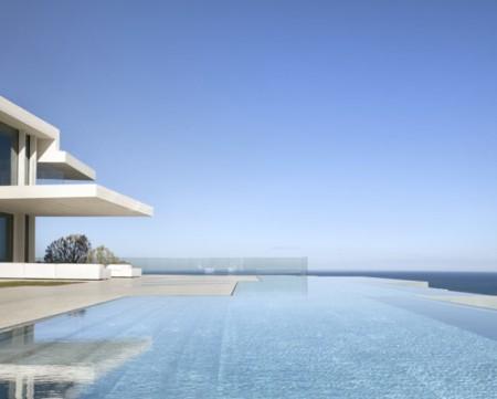 La mejor piscina residencial de Europa la firma el estudio de Ramón Esteve