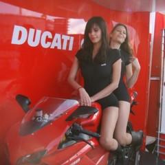 Foto 5 de 35 de la galería las-pit-babes-de-estoril-en-una-ducati-1098 en Motorpasion Moto