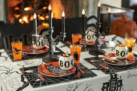 13 indispensables para una fiesta de halloween con amigos - Decoracion mesa halloween ...