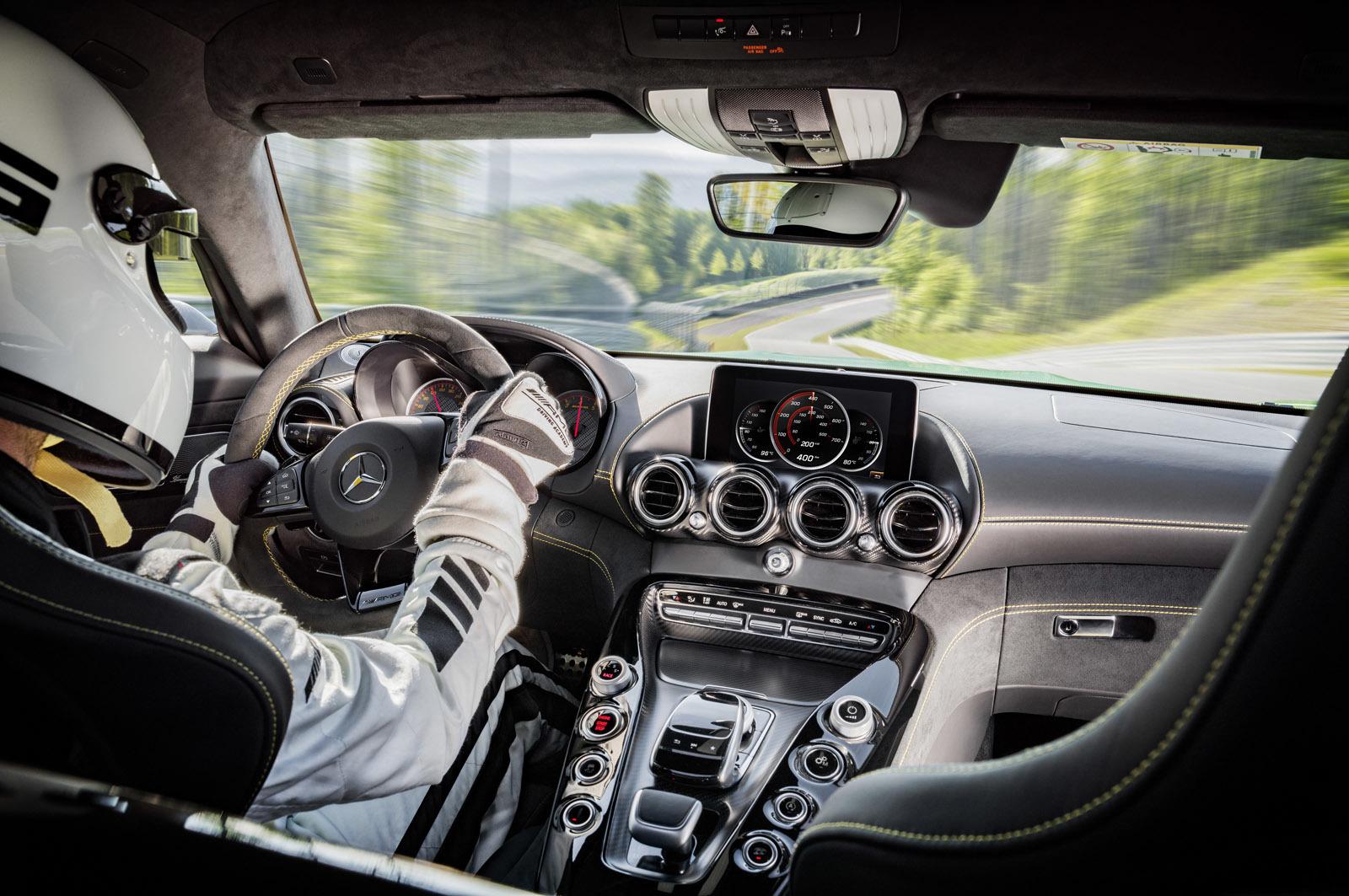 Foto de Mercedes-AMG GT R (13/30)
