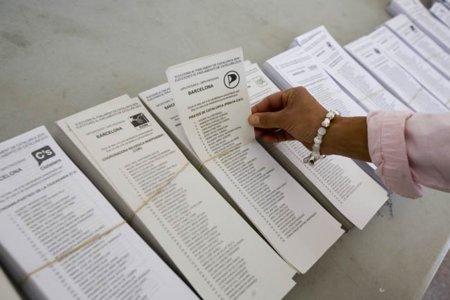Los Piratas de Cataluña desembarcan en la Junta Electoral con miles de avales