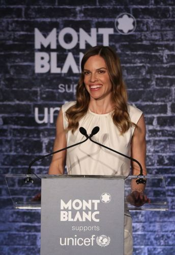 HILARY-SWANK-at-Montblanc-UNICEF-Pre-Oscar-Brunch-in-Los-Angeles-8