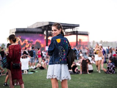 Coachella ya está aquí, ¿sabes cómo vestir en época de festival?
