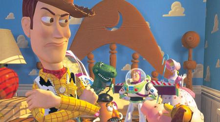 Toy Story 4   Disney lanza el primer teaser y sorprende con un segundo que  muestra nuevos personajes  actualizado  cec44115461