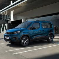 Así es la Peugeot e-Rifter, una furgoneta monovolumen eléctrica de hasta siete plazas y 280 km de autonomía
