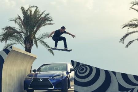 Video: la patineta voladora de Lexus te demuestra su funcionamiento sin ningún tipo de efectos especiales
