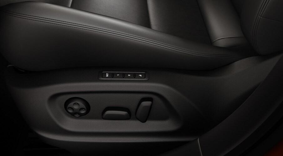 La pieza de los asientos que fabricantes como Tesla o BMW han dejado de poner para evitar subir el precio de sus coches