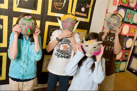La identidad de los niños pre adolescentes: el momento en que la opinión de los amigos compite con la educación familiar