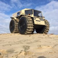 No es un camión ni es un tanque, es un mastodonte ruso para el que no existen los obstáculos