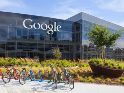 """Google, acusada de discriminación: pagan """"sistemáticamente"""" menos a las mujeres que a los hombres"""