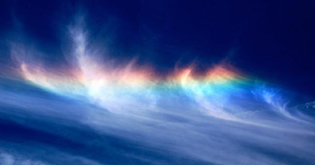 La ciencia detrás de los arcoiris de fuego, los espectaculares estallidos de luz y color en las alturas
