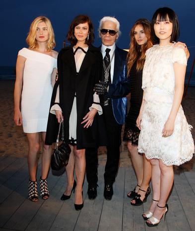 Las invitadas al desfile de Chanel Crucero 2010 en Venecia: todos sus looks