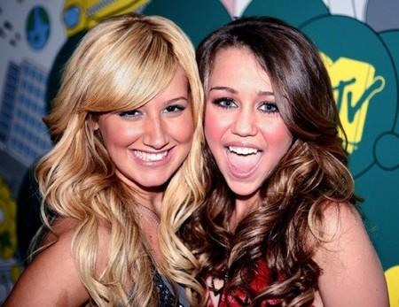 Miley Cyrus, usada por su fama