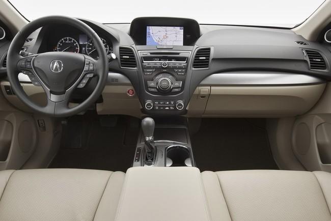 Mejores interiores según Ward's Auto 2013 - Acura RDX