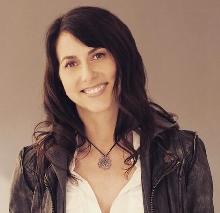 Así es Mackenzie Scott: escritora, filántropa y la tercera mujer más rica del mundo tras divorciarse de Jeff Bezos