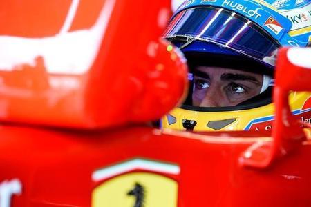 Fernando Alonso lidera los primeros entrenamientos libres de Singapur