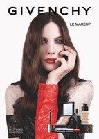 Liv Tyler suma y sigue con Givenchy y protagoniza su campaña de maquillaje para el Otoño-Invierno 2012