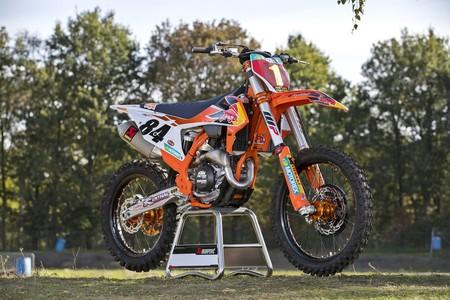 KTM 450 SX-F Herlings Replica: Una moto del mundial al alcance de cualquier aficionado