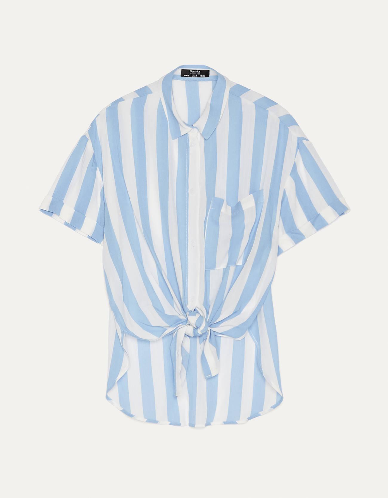 Camisa larga con nudo a rayas.