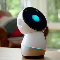 El caso del robot que por medio de un baile anunció a sus propietarios que  está por convertirse en un pisapapeles de 899 dólares