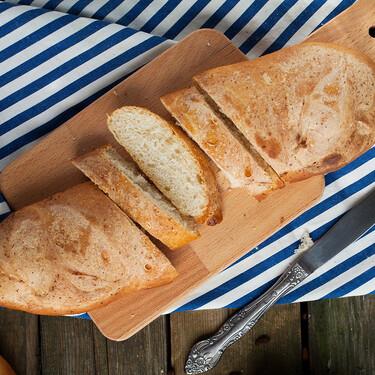 El truco infalible para revivir el pan de ayer que triunfa en TikTok (pero que casi es más viejo que el propio pan)