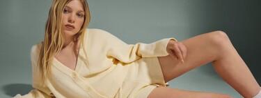 Bershka nos propone vestir a conjunto con sets de dos y tres piezas. Llega la era de la versatilidad, comodidad y sencillez en el armario