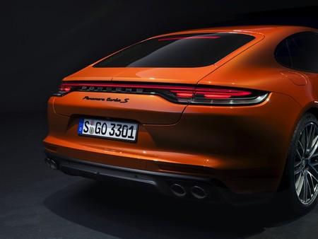 Porsche Panamera 2021 trasera