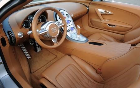Bugatty Veyron interior