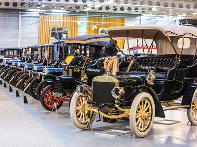 La legendaria colección Ford del Museo Den Hartogh, con más de 200 coches clásicos, se pone a la venta
