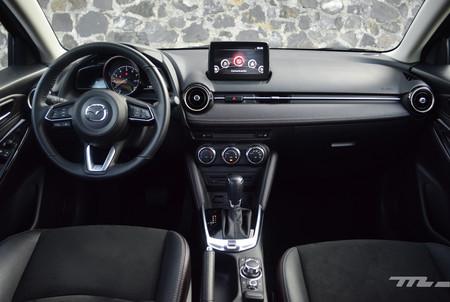 Mazda2 2018 3