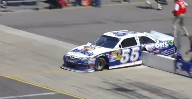 Accidente de Mark Martin en la Michigan 400
