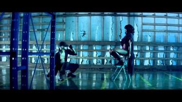 Lo que Kelly Rowland se ha ahorrado en peluquería se lo ha gastado en el gimnasio de los bailarines