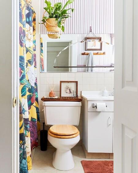 A falta de mampara, os traemos once cortinas de ducha o bañera con mucho estilo para el cuarto de baño