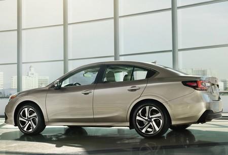 Subaru Legacy 2020 1280 02