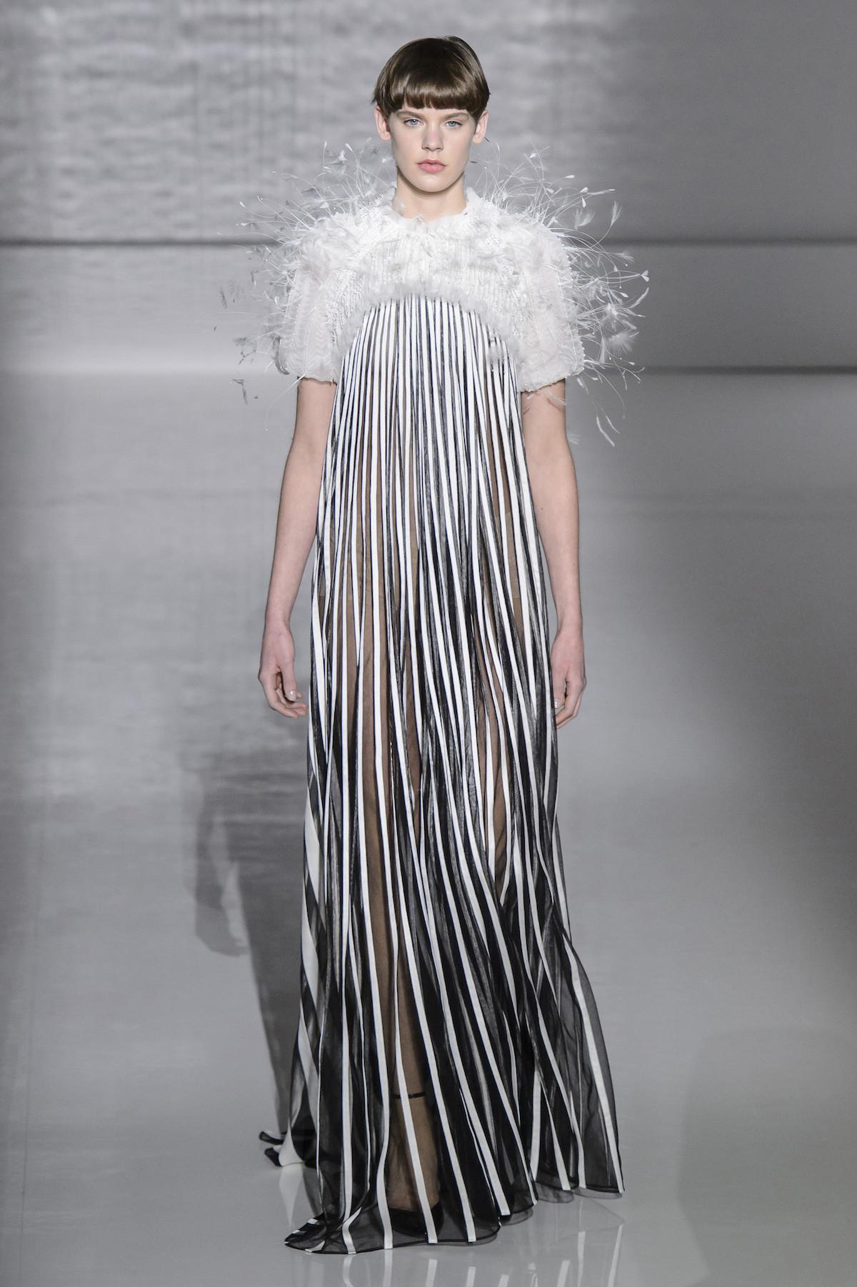 Foto de Givenchy Alta Costura Primavera Verano 2019 (24/43)