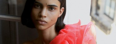 La nueva colección de Zara se viste con volantes a todo volumen (y nos muestra el bañador estrella de la temporada)