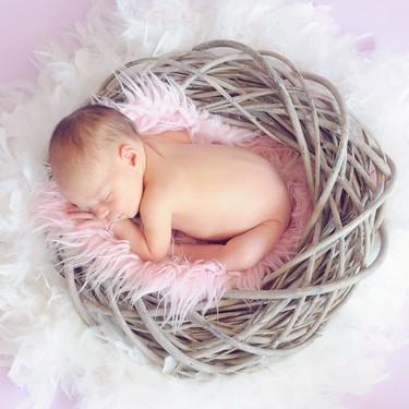Bebé de un mes: todo sobre alimentación, sueño y desarrollo en el primer mes de vida