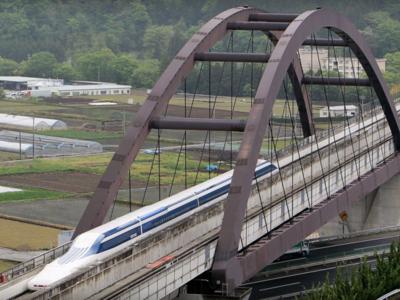 El tren maglev japonés vuelve a batir el record de velocidad: 603 kilómetros por hora