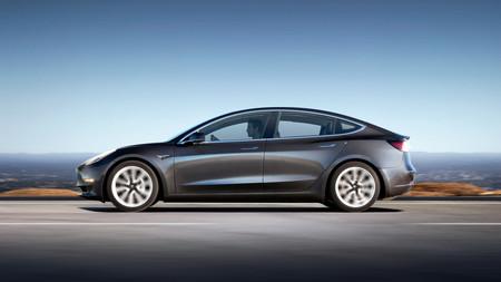 Tesla recupera el aliento y por fin fabrica a buen ritmo: en un solo trimestre produjo más que en todo 2016