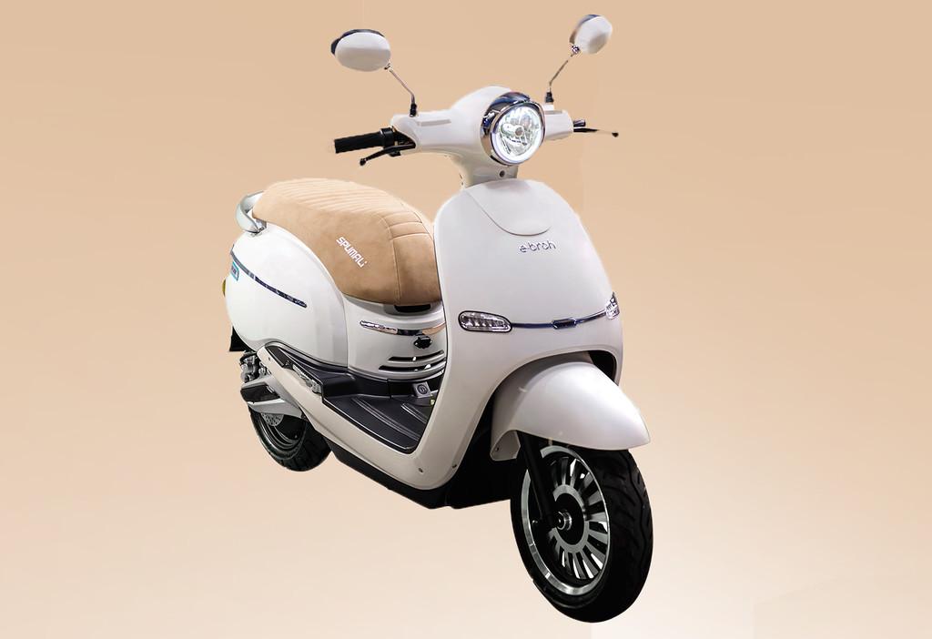 La Ebroh Spuma Li 5K es una moto eléctrica sin carnet española con hasta 80 km de autonomía