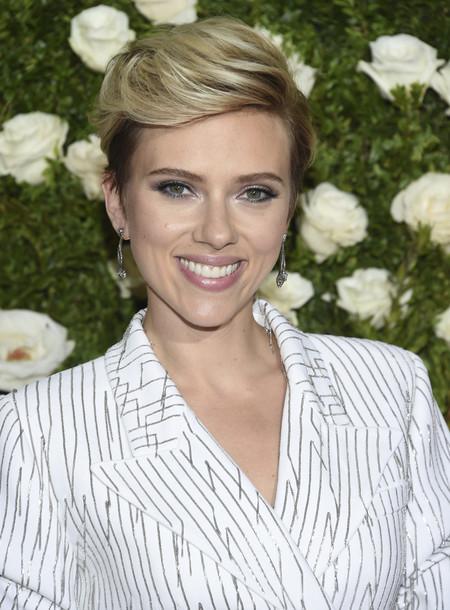 11 formas de lucir un pixie con mucho estilo como  Scarlett Johansson