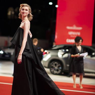 Elizabeth Debicki dará vida a la Princesa Diana de Gales en las dos últimas temporadas de 'The Crown'