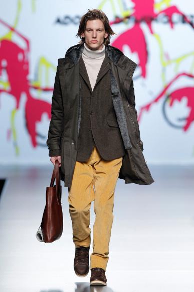 Foto de Adolfo Dominguez Otoño-Invierno 2011/2012 en la Cibeles Fashion Week (3/9)