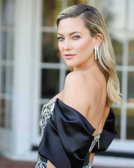 Kate Hudson entre las mejor vestidas con un atrevido diseño de Louis Vuitton para presenciar los Globos de Oro 2021