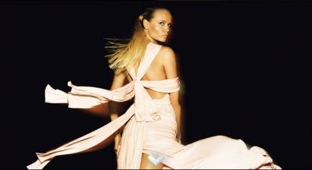 Louis Vuitton, colección crucero 2009 con Natasha Poly, fiesta