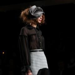 Foto 63 de 126 de la galería alma-aguilar-en-la-cibeles-madrid-fashion-week-otono-invierno-20112012 en Trendencias