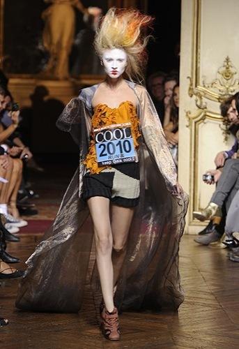 Vivienne Westwood Primavera-Verano 2010 en la Semana de la Moda de París II