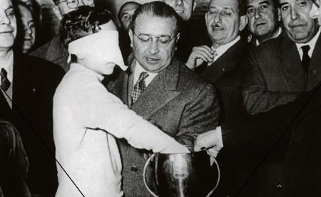 Aquella ocasión en la que España se jugó el Mundial a cara o cruz (y perdió)